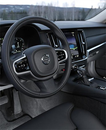 интерьер Volvo V90 Cross Country